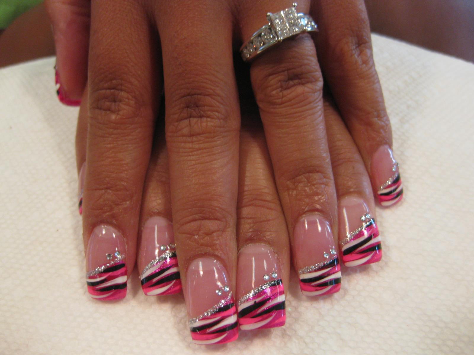 059g angled bright pinkpinkwhiteblack striped swirls topped with angled sparkling band tijuana swirl nail designs by top nails angled prinsesfo Images