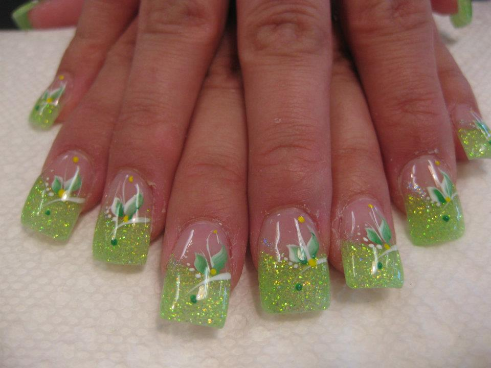 Sparking Light Green Tip With White Swirls Lily Yellow Dots