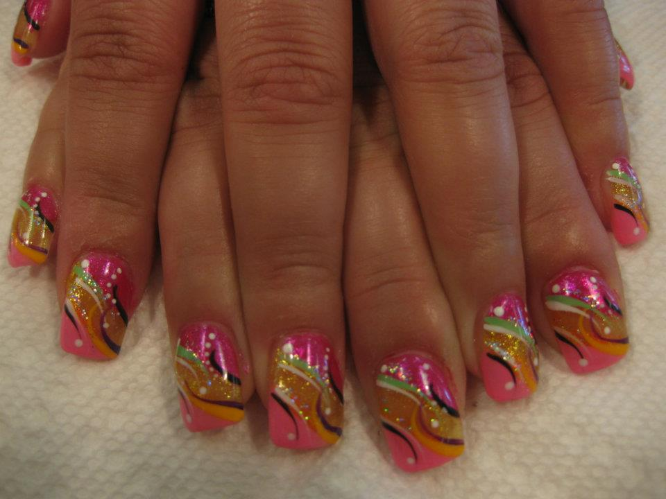 083g angled pink tip below sparkling gold band topped with sparkling bright pink nail with black prinsesfo Gallery