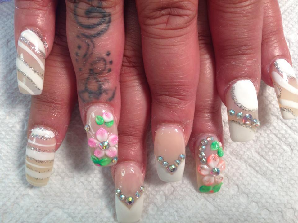 V Shaped Opaque White Tip With Diamond Glue Ons OR Translucent Nail 3D