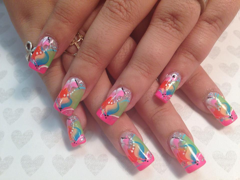 143g bright pink tip under angled light greenorange halves with bluepeach swish in prinsesfo Images