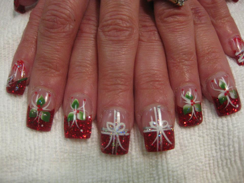 The Gift of Mistletoe, nail art design by Top Nails, Clarksville TN.