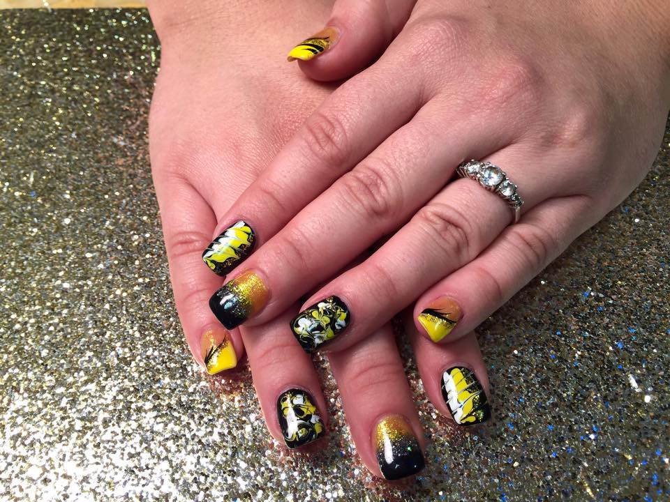 Busy Bee Nail Art Design By Top Nails Clarksville Tn